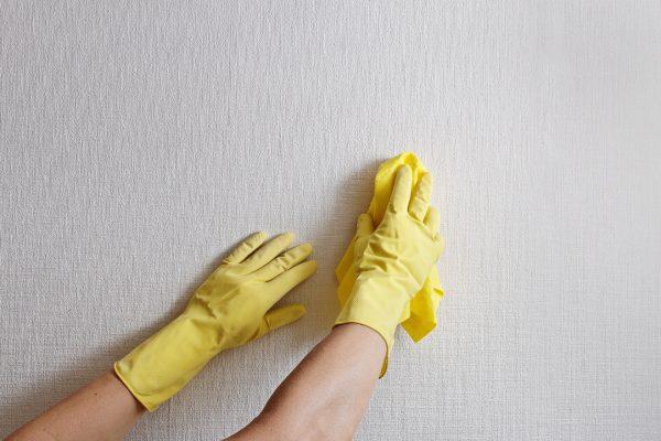 تمیز کردن کاغذ دیواری غیر قابل شستشو