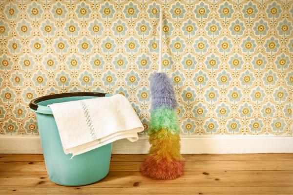 تکان مهم در تمیز کردن کاغذ دیواری